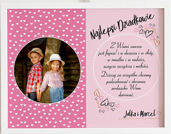 Prezent na dzień babci i dziadka serduszka różowe obraz z życzeniami