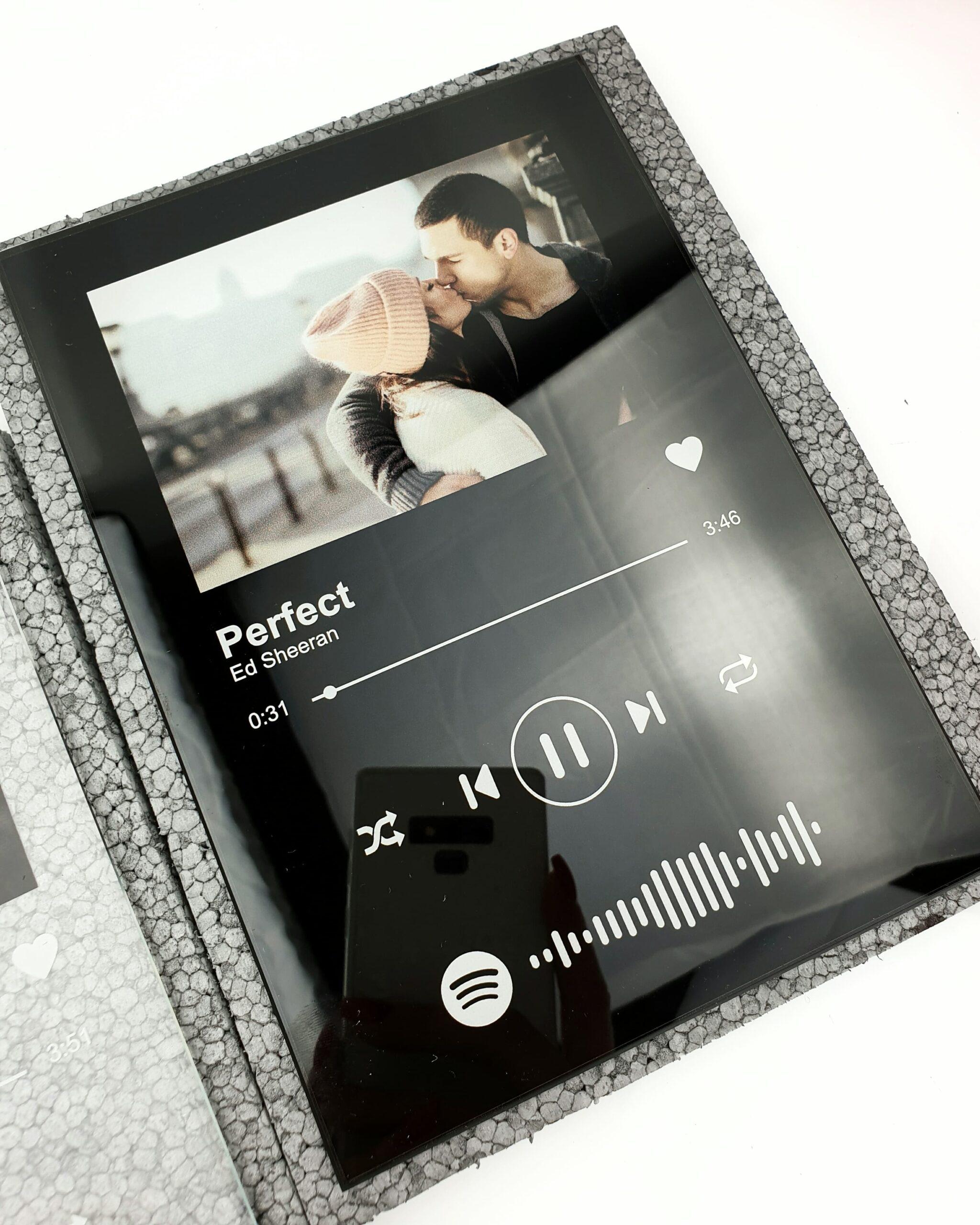 Piosenka Spotify prezent ze zdjęciem na szkle